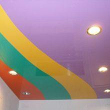 Натяжные потолки. Цветовое решение