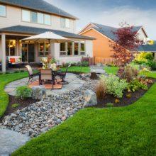 Как оформить ландшафт загородного дома?