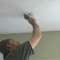 Методы ремонта и предотвращения образования трещин на потолке