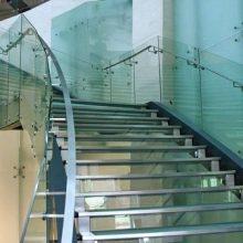 Ограждения из стекла: виды, где купить конструкции?