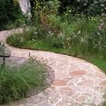 Выбираем материал для садовых дорожек