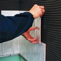 Как облицовывать стены керамическими плитками