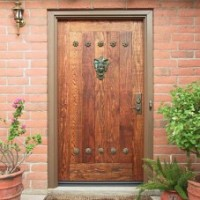 Как оформить входные двери