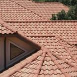 Металлочерепица или металлопрофиль на крыше