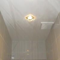 Делаем потолок в туалете