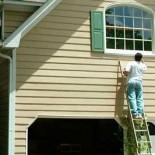 Покраска фасада дома – защитим от негативного влияния окружающей