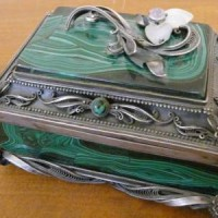Малахитовые шкатулки и украшения из жемчуга в Челябинске