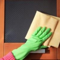 Как ухаживать за межкомнатными дверьми?