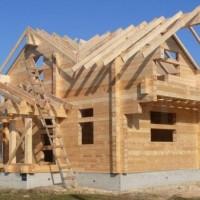 Использование клееного бруса при строительстве дачных домов
