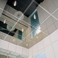 Достоинства зеркальных потолков